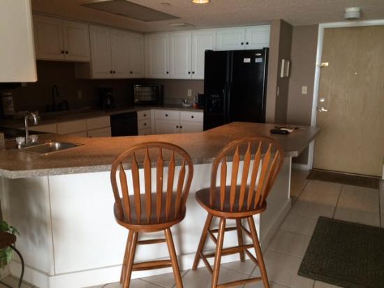 Nautilus Condominium: Spacious, fully equipped kitchen