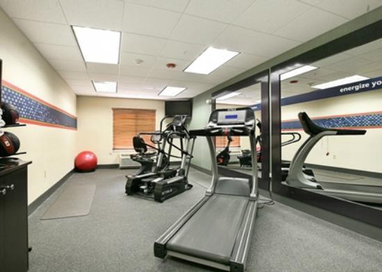 Hampton Inn Brentwood: Fitness Room On-Site