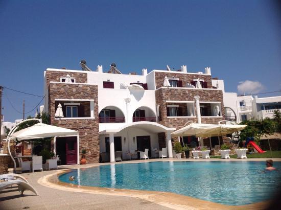 Ariadne Hotel: Desde la tumbona de la piscina