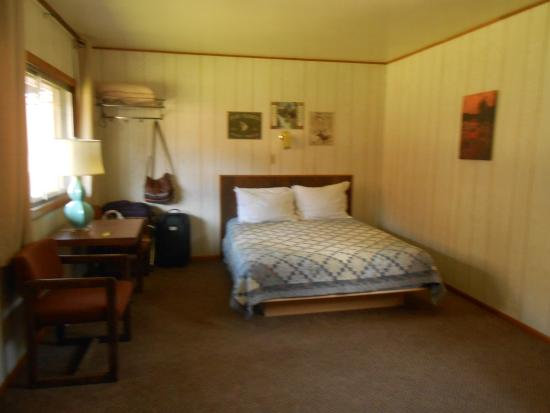 Cooke City High Country Motel : Bedroom