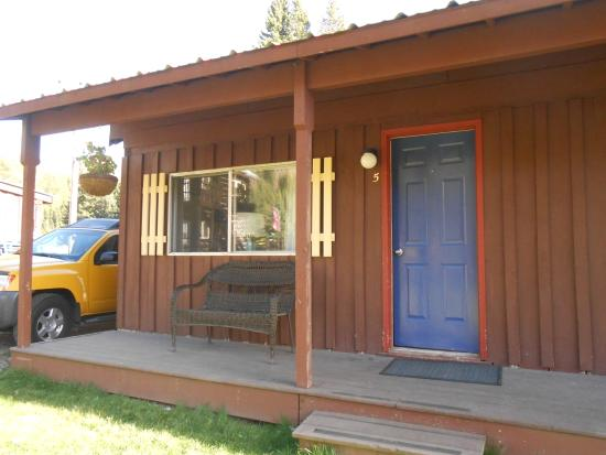 Cooke City High Country Motel and Cabins: cabin