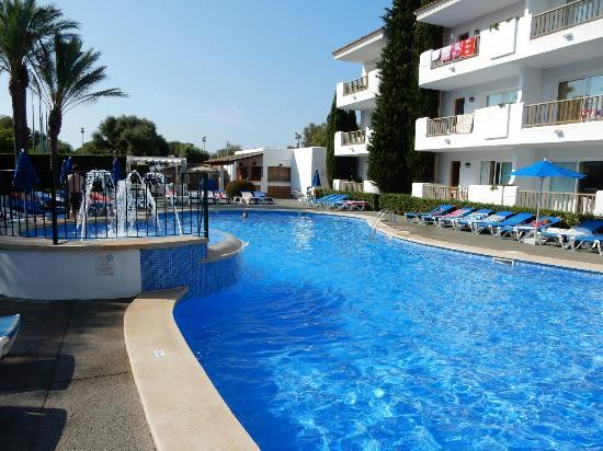 Pool at esmeralda gardens picture of inturotel for Garden pool reviews