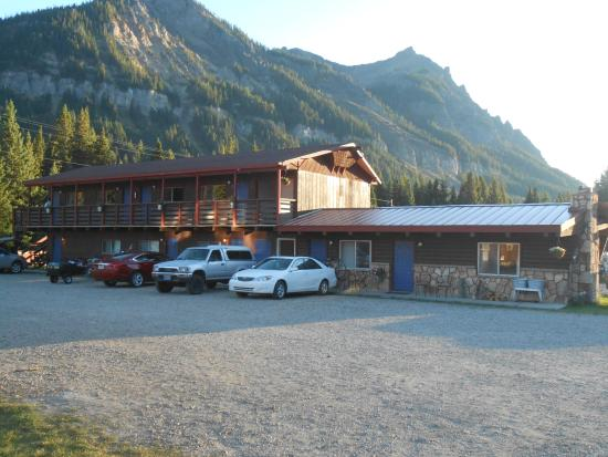 Cooke City High Country Motel And Cabins Section