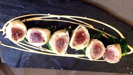 Sopranis: Tartar de lomo negro de atún con ajo blanco