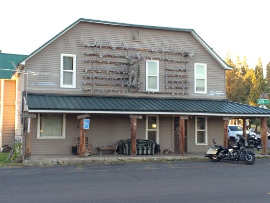 Ukiah, OR: Motel Front