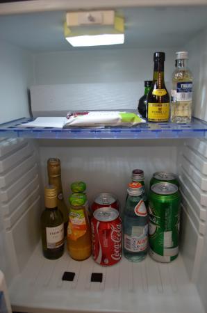 Algirdas City Hotels: холодильник