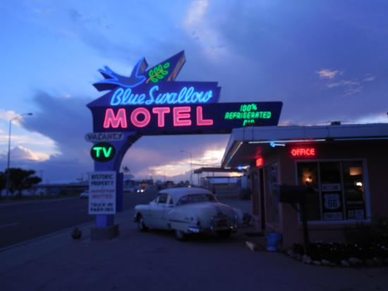 Blue Swallow Motel: Front sign
