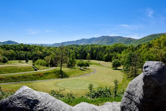 Laurel Valley Golf Course : 18th Fairway and Rich Mountain View