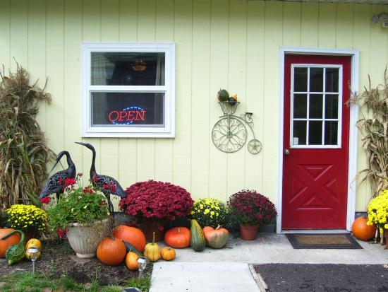 Confluence House Bed & Breakfast and Catering Services, LLC: Ready for Fall!