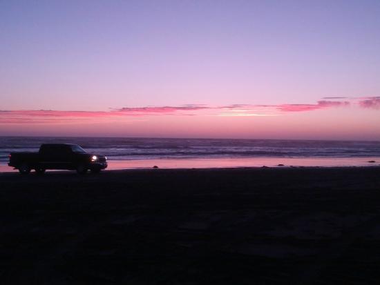 Days Inn - Ocean Shores: Colored sky