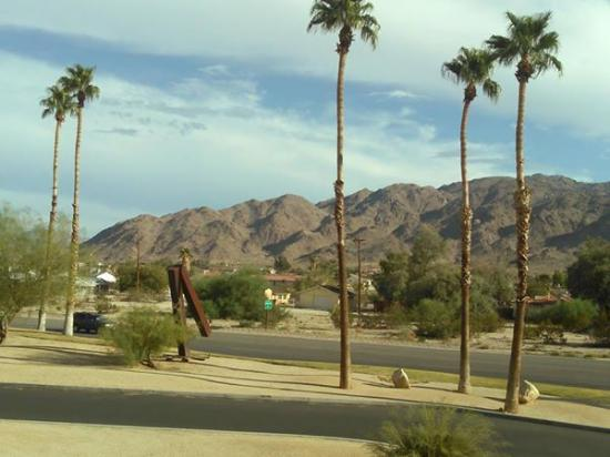 Motel 6 Twentynine Palms: View from Motel 6 room