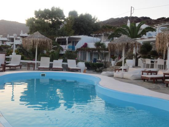 Panormos Village: pileta