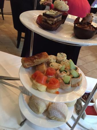 Great English Afternoon Tea In Windsor Arms Hotel