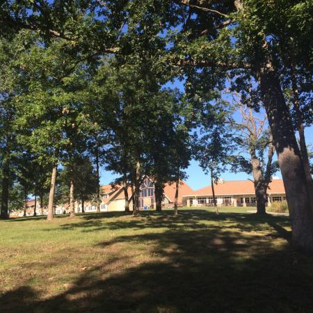 Honey Creek Resort State Park: Hotel back