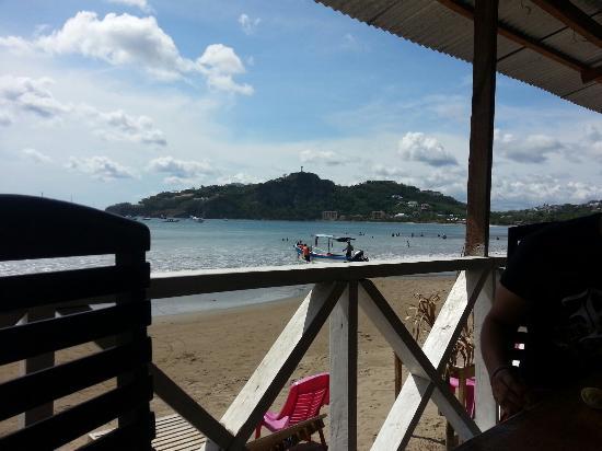Dorado's Bar Grill: A la orilla de la costa