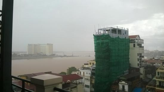 Lux Riverside Hotel & Apartments: River view from balcony