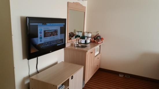 Knights Inn & Suites Miramichi : Kitchenette