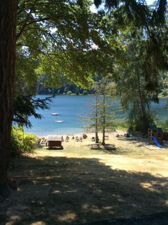 Green Acres Lakeside Resort Salt Spring Island: view of the lake