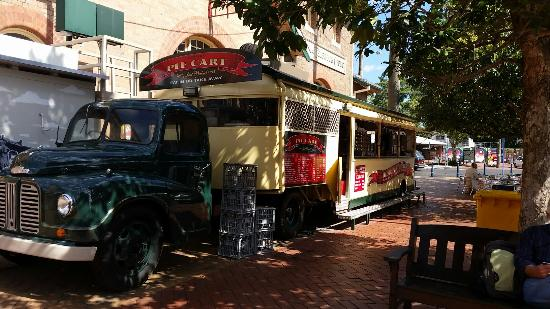 Lismore Pie Cart