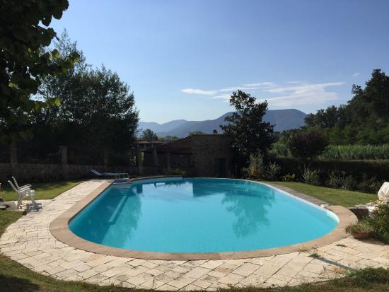 Bed & Breakfast Biospazio : Het buiten zwembad ligt heerlijk op de zon