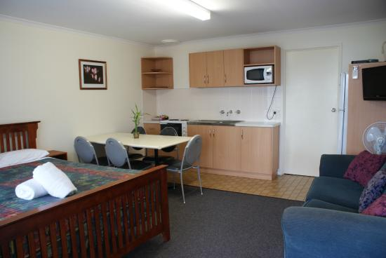 Warrnambool Holiday Park and Motel: Self Contained Motel Suite