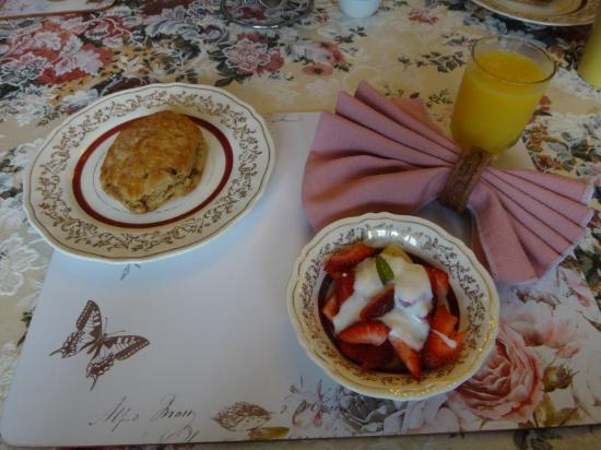 Cindy's Bed & Breakfast: breakfast