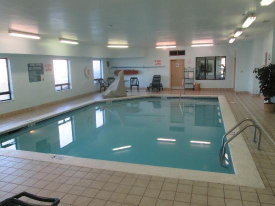 Baymont Inn & Suites Mason: Indoor Pool