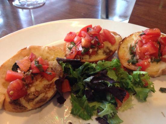 Napolis Italian Cafe: Delicious Bruschetta