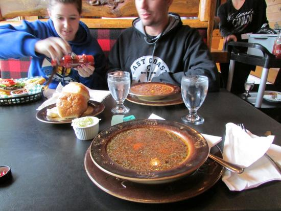 Trapper's Mountain Grill: Bison soup and bison chili