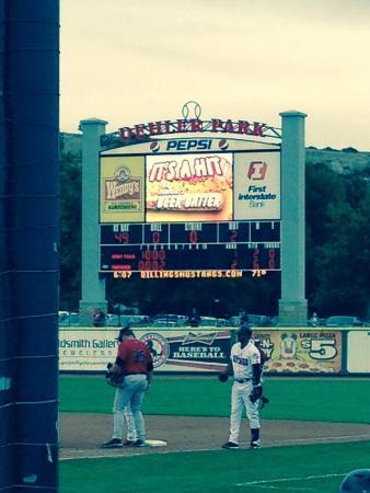 Dehler Park: Beer batter got a hit!