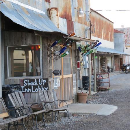 Shack Up Inn: The lobby and restaurant entrance