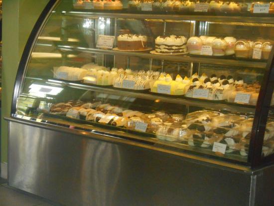 Rigoletto Italian Bakery: Dessert and Pastry Case