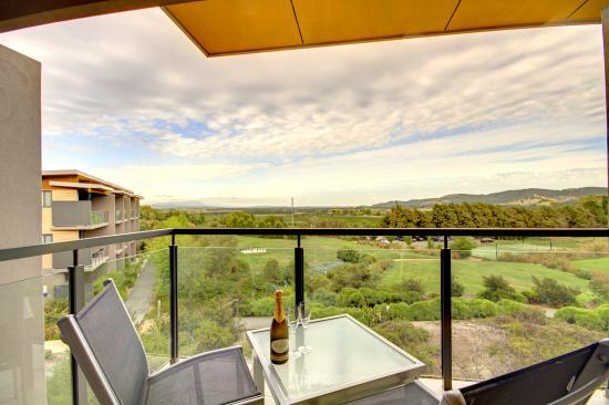 Balgownie Estate Vineyard Resort & Spa: Balcony View