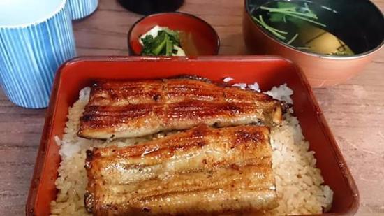 Irokawa : ข้าวหน้าปลาไหลเนื้อนุ่ม