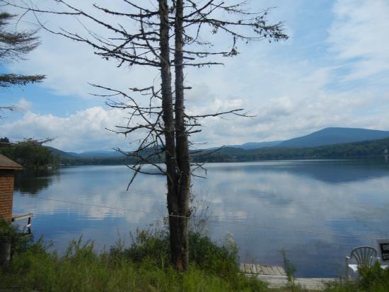 Sur le chemin vers le parc du mont tremblant lac for Lac miroir mont tremblant