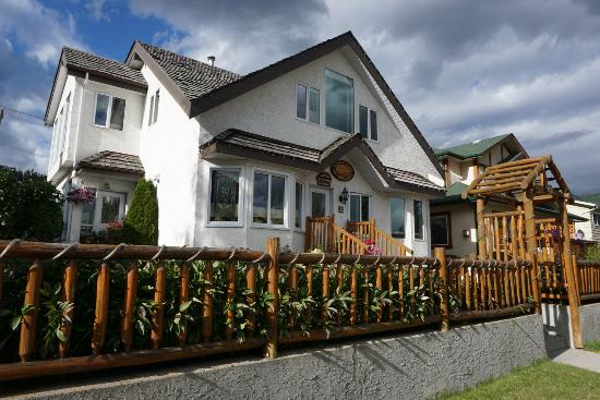 Austrian Haven Bed and Breakfast: Perfect location
