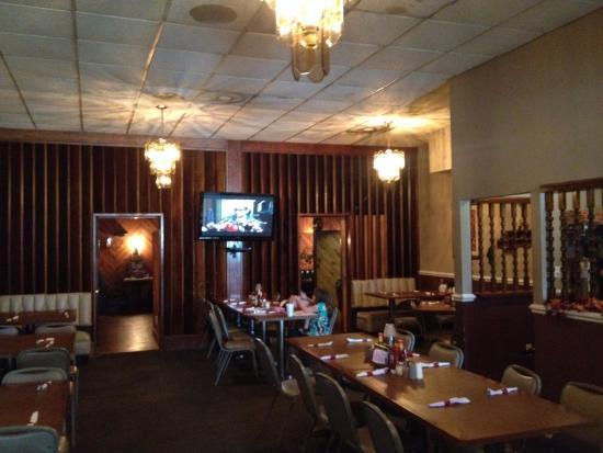 Pizza Pub: main room