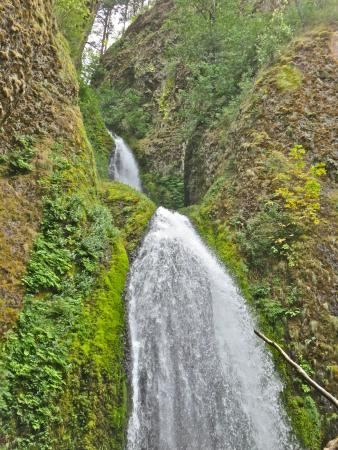 Hood River, Oregón: Falls in the Gorge