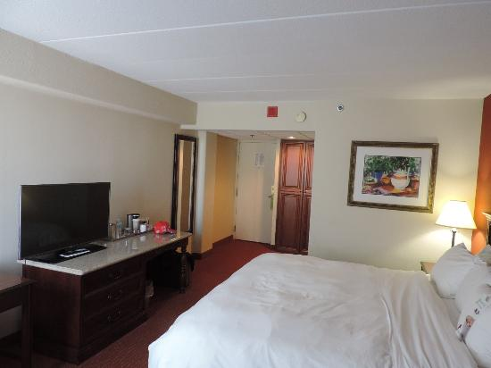 Clarion Hotel: The room was large, with plenty of storage