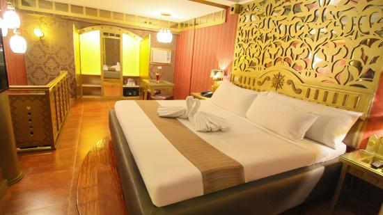 Victoria Court Cuneta Motorist Lodge: SUITE