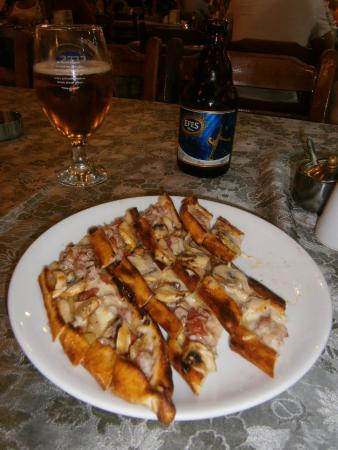 Nefis Pide: Delicious Pide and a cold beer