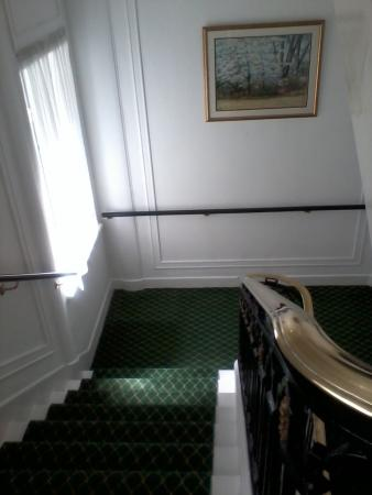 Astor Court Hotel: .