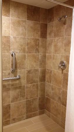 Carrington, ND: A regular height shower too!