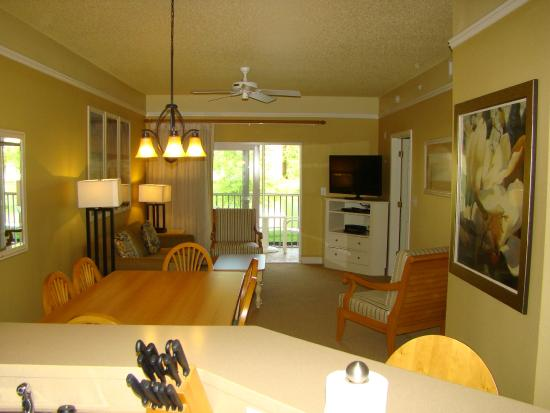 Living area 1 bedroom deluxe picture of sheraton broadway plantation resort villas myrtle for 1 bedroom suites in myrtle beach sc