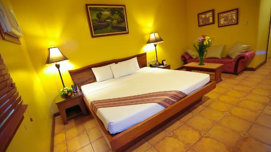 Hotel La Corona de Lipa: Executive Suite Room