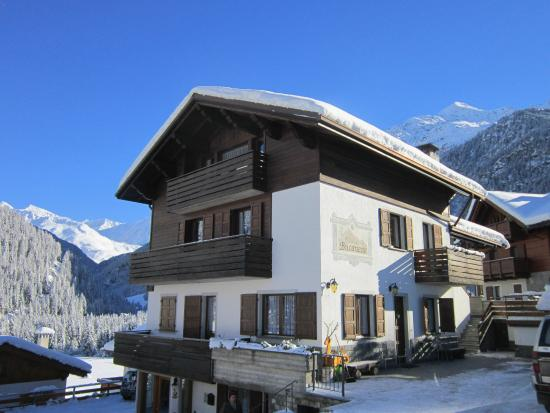 Residence Chalet Bucaneve: esterno inverno