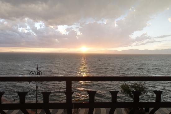 Hotel Miralago: Sonnenuntergang vom Hotelzimmer aus