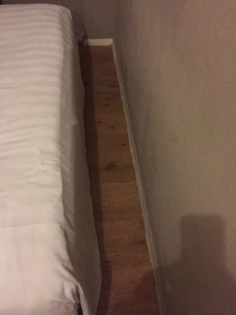 Barbacan Hotel Amsterdam: CAMA ENCAJADA 2