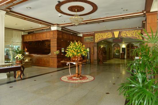 Golden Butterfly Hotel: lobby