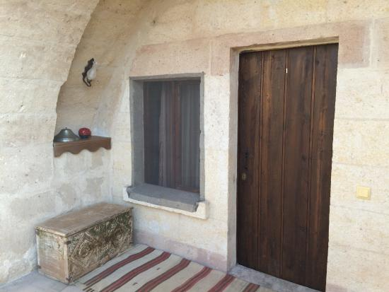 Karadut Cave Hotel : View of the entrance to the door